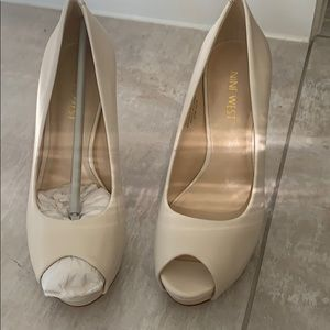 New Nine West women shoes size 5